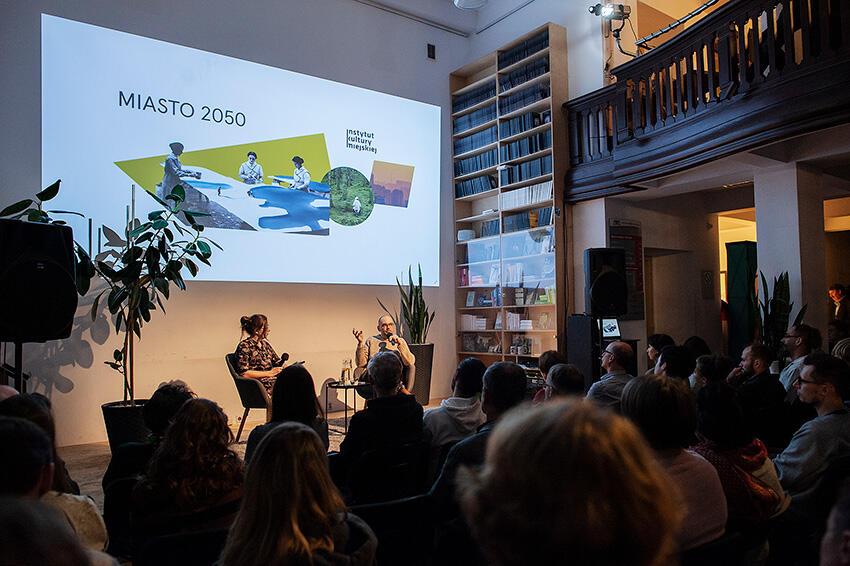 Spotkanie uczestników dyskusji Miasto 2050 w siedzibie Instytutu Kultury Miejskiej