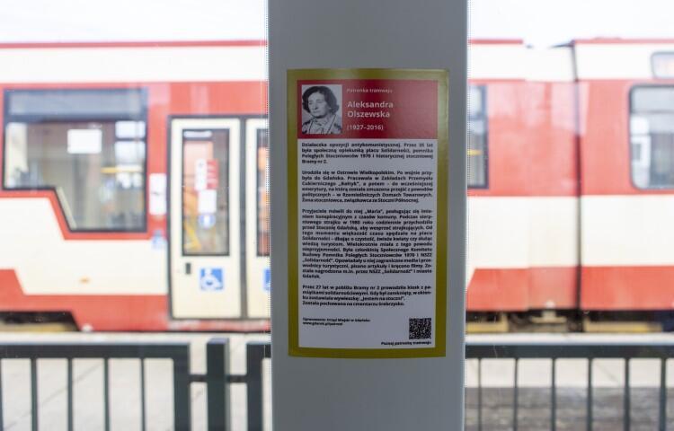 Biogram Aleksandry Olszewskiej - tabliczka w tramwaju