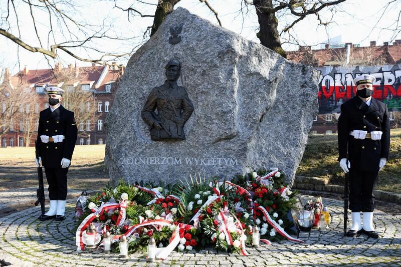 Obelisk poświęcony pamięci Żołnierzom Wyklętym na Cmentarzu Garnizonowym