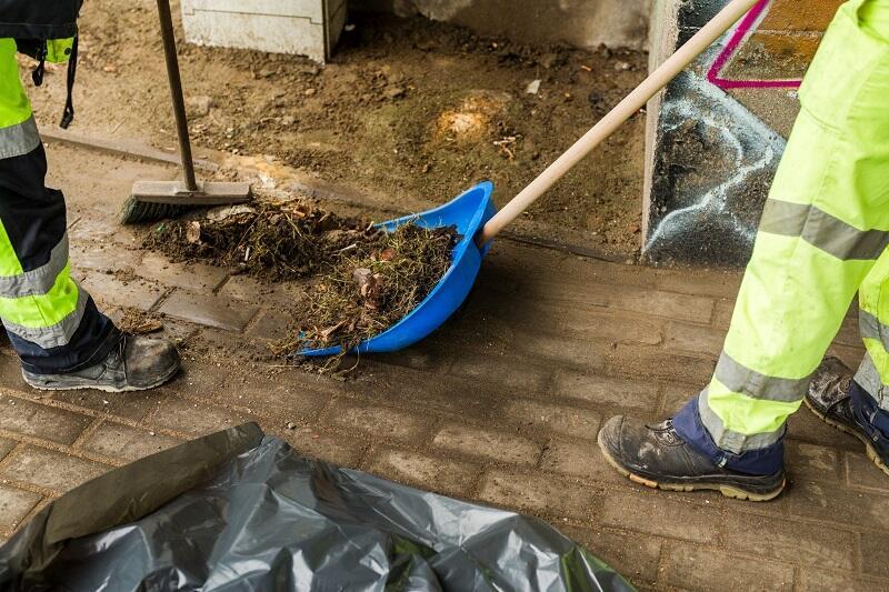 W sprzątanie miasta po zimie zaangażowanych jest kilka działów Gdańskiego Zarządu Dróg i Zieleni