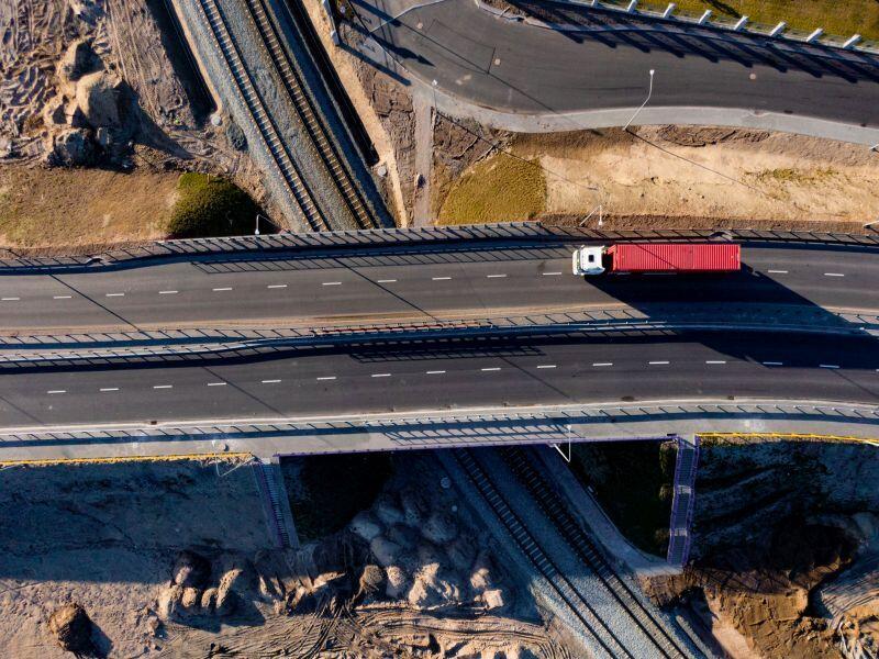 Łatwiejszy dojazd możliwy jest dzięki bezkolizyjnym rozwiązaniom drogowym