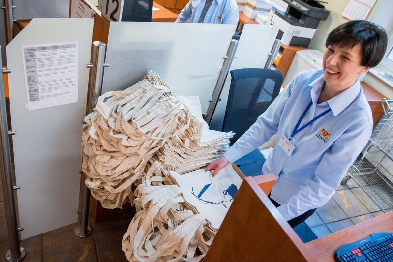 Ekologiczne torby w prezencie dla gdańszczanek i gdańszczan, to element kampanii, która ma zachęcić mieszkańców Gdańska do wdrażania w życie bardziej świadomych postaw