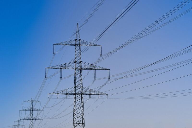 Samorządy i podmioty, które przystąpiły do wspólnych zakupów, w porównaniu ze stawkami z cennika sprzedawców m.in. za dostawę energii elektrycznej w zapłacą o 36 procent mniej