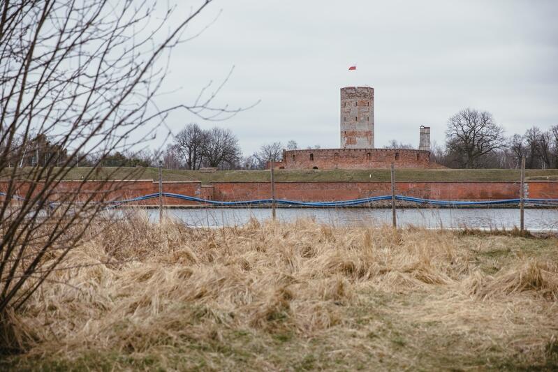 Szaniec Zachodni to historyczna nazwa miejsca, w którym w XVII wieku zbudowano fortyfikacje obronne uzupełniające Twierdzę Wisłoujście