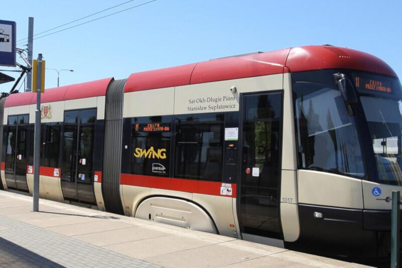 Tradycyjnie w okresie świątecznym obowiązywać będzie inny rozkład jazdy autobusów i tramwajów niż w dni powszednie. Zmiany w kursowaniu transportu miejskiego, takie jak zmiana częstotliwości, wydłużenie lub skracanie trasy, zajdą też na niektórych liniach od piątku, 2 kwietnia