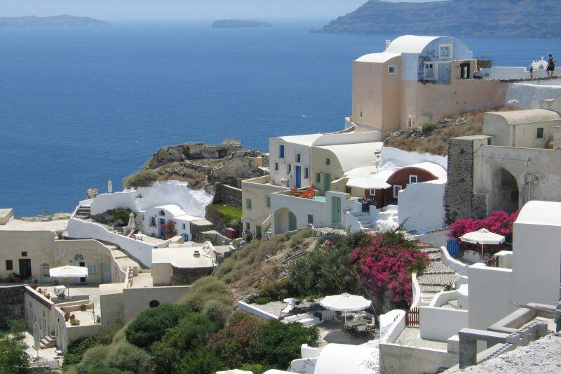 Santorini. Niezwykle popularna wśród turystów grecka wyspa