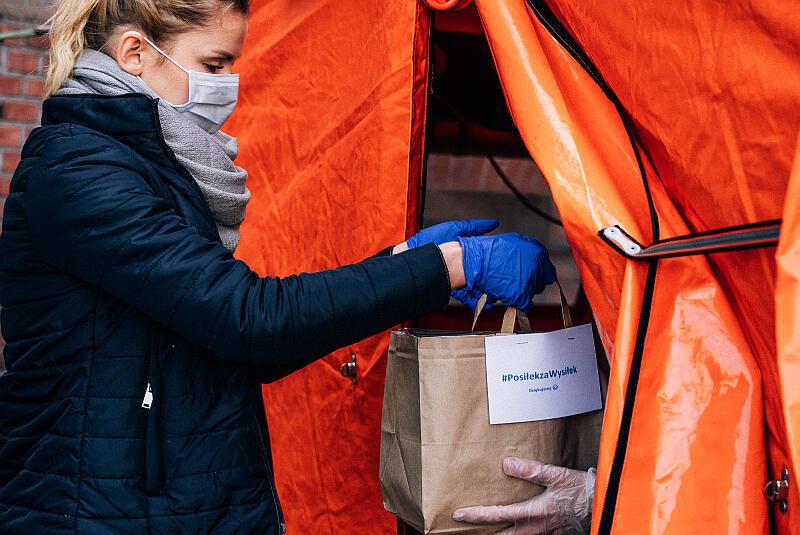 I edycja akcji #PosiłekzaWysiłek. Przekazywanie posiłków pracownikom ochrony zdrowia.