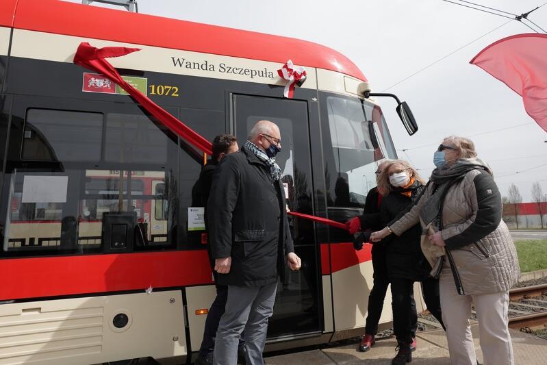 Kolejny gdański tramwaj zyskał patronkę, tym razem została nią prof. Wanda Szczepuła