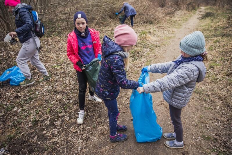 W ostatnią sobotę akcję sprzątania zorganizowano w trzech dzielnicach, m.in. w Pieckach-Migowie, w sąsiedztwie Stawu Wróbla