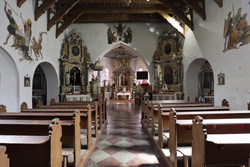 Wnętrze kościoła pw. Świętego Wojciecha