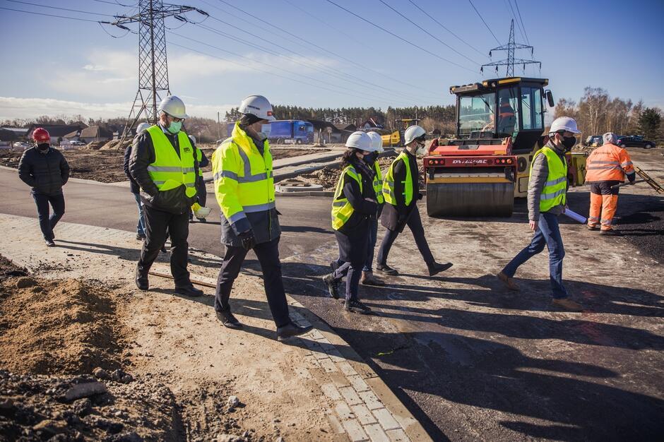 Plac budowy na ul. Kartuskiej wizytowała w piątek, 23 kwietnia, prezydent Gdańska Aleksandra Dulkieiwcz
