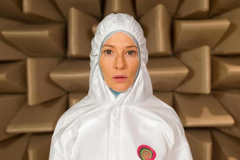 """W filmie """"Manifesto"""" nagrodzona Oscarem Cate Blanchett (""""Carol"""", """"Blue Jasmine"""") wciela się w 13 różnych postaci, aby zderzyć najbardziej radykalne idee XX wieku z otaczającą nas rzeczywistością"""