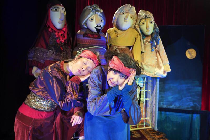 """Spektakl dla dzieci """"Ali Baba i Czterech Rozbójników"""" Wędrownego Teatru Lalek Małe Mi to propozycja Teatru w Blokowisku na ten weekend"""