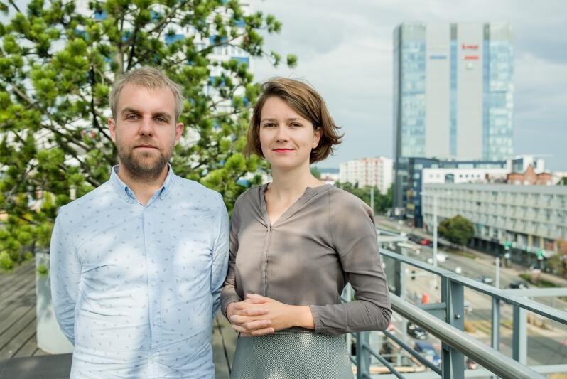 Natalia Koralewska i Jakub Knera z Fundacji Palma, autorzy takich projektów jak Noc Wrzeszcza, czy Instytut Langfuhr, w którym dokumentują fenomen Wrzeszcza