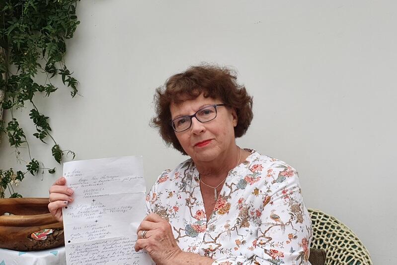 Catherine Czerkawska prezentuje list, który zmienił jej wiedzę na temat historii rodziny jej ojca - Juliana