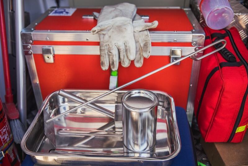 Zestaw do poboru próbki popiołu z paleniska