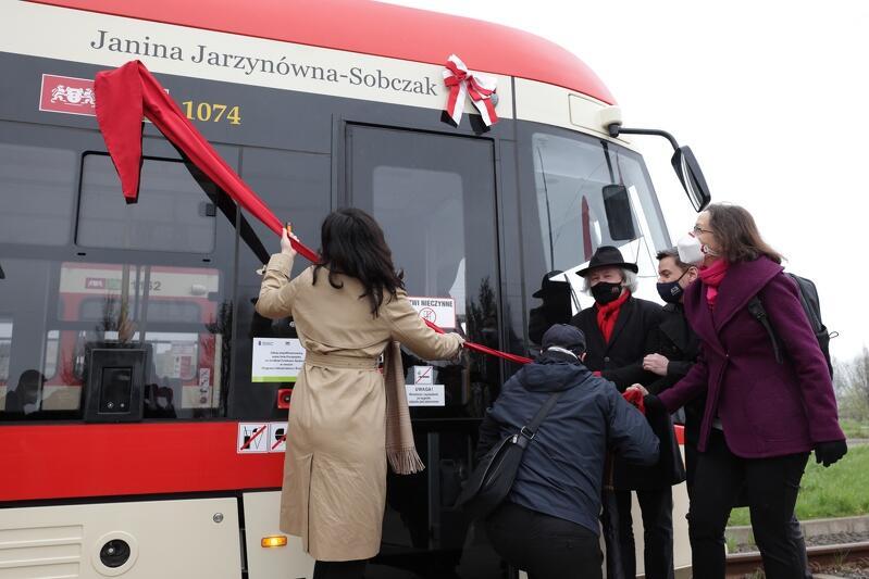Janina Jarzynówna-Sobczak, twórczyni gdańskiego baletu, została patronką gdańskiego tramwaju