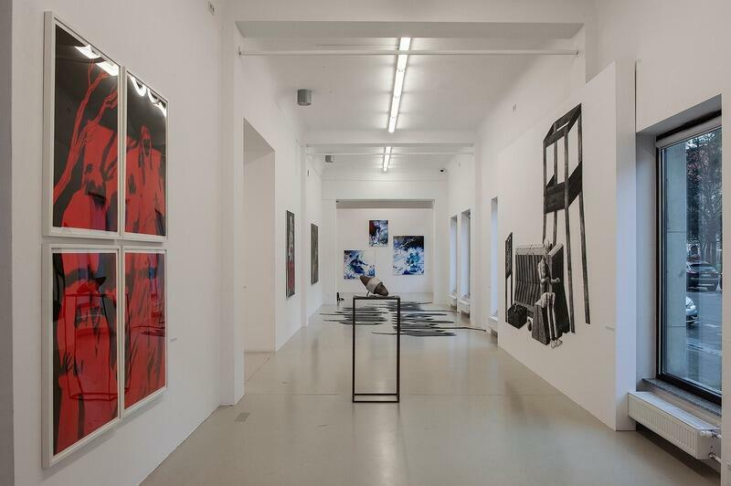 Gdańska Galeria Miejska pomimo pandemii cały czas aktywnie działała. W styczniu i w kwietniu zapraszała na wirtualne spacery, a od 4 maja aktualne wystawy będzie można zobaczyć z bliska