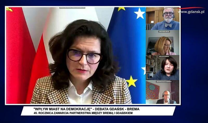 Prezydent Gdańska Aleksandra Dulkiewicz podczas debaty z partnerami z Bremy