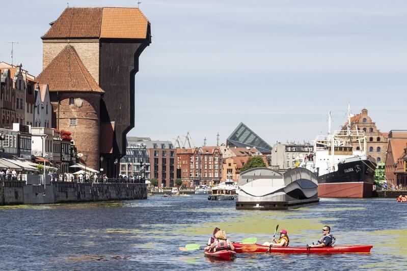 Zwiedzanie, świetna zabawa i pożyteczne działanie na rzecz środowiska - można to połączyć biorąc udział w akcji ekoKajak organizowanej przez Gdański Ośrodek Sportu