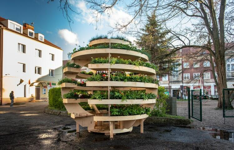 Growroom zaprojektowali w 2017 roku duńscy projektanci Sine Lindholm i Mads-Ulrik Husum