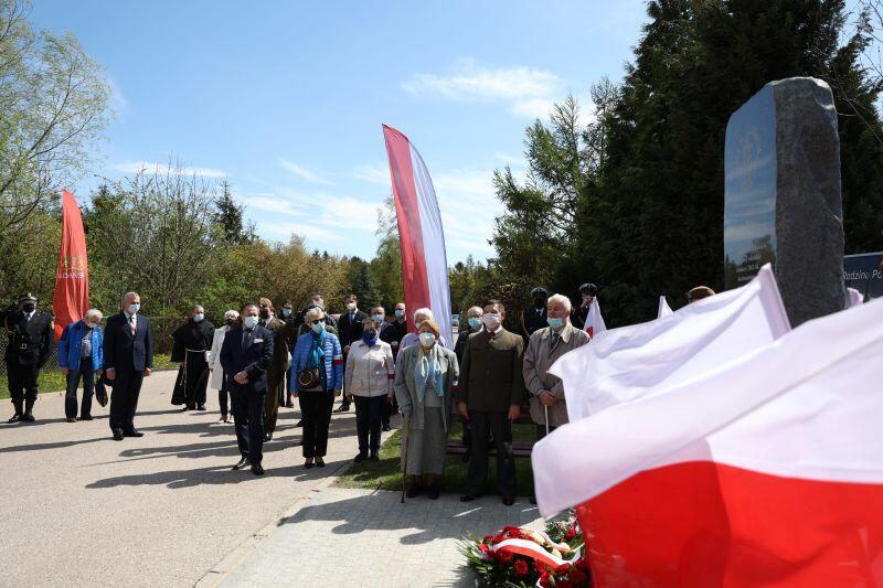 W Ponarach w czasie II wojny światowej życie straciło ok. 100 tys. obywateli Polski