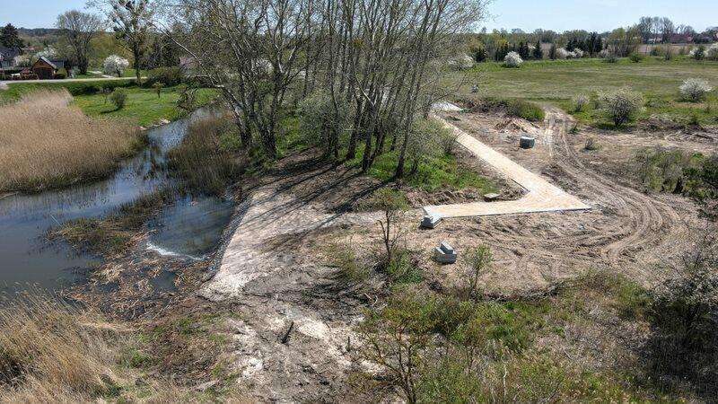 Przy Kanale Młynówka wybudowano już ścieżkę prowadzącą do przystani i wzmocniono brzeg