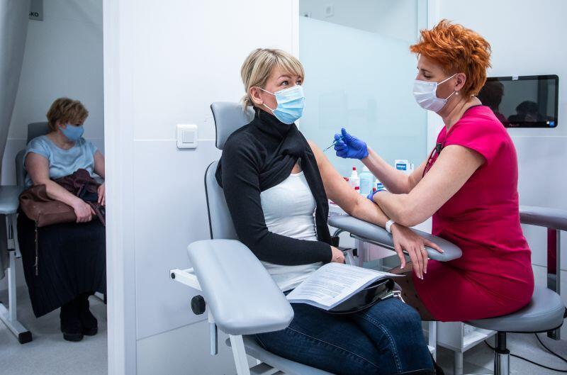 Szczepienia przeciw Covid-19 w Uniwersyteckim Centrum Klinicznym w Gdańsku