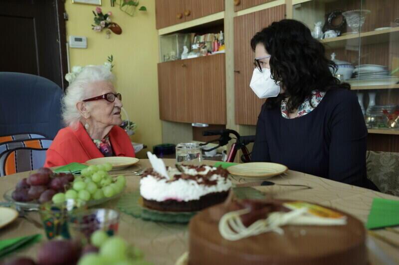 Z okazji setnych urodzin wizytę gdańszczance złożyła prezydent Aleksandra Dulkiewicz, która wręczyła jej urodzinowe upominki i życzyła zdrowia