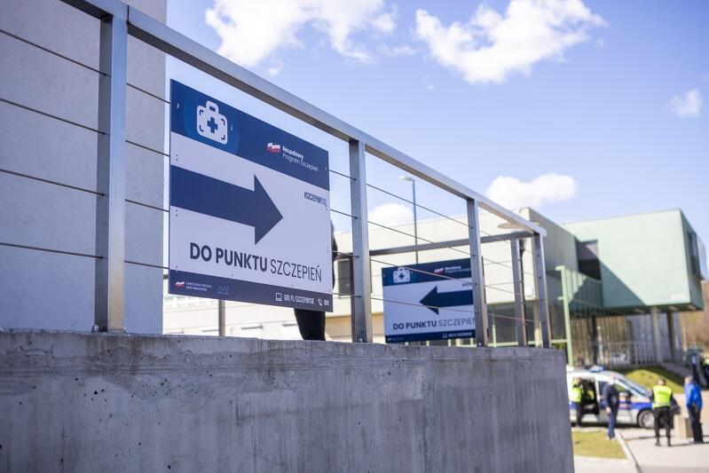 Punkt Szczepień Powszechnych uruchomiony w 23 kwietnia 2021 w Centrum Sportu Gdańskiego Uniwersytetu Medycznego był największym na Pomorzu Punktem Szczepień Powszechnych