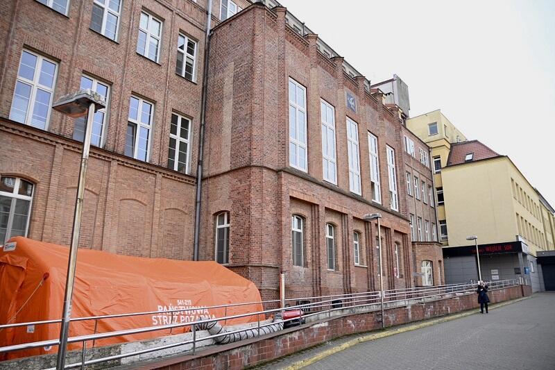 Fragmnt budynku z czerwonej cegły