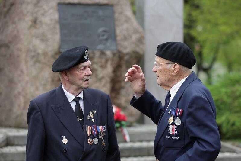 18 maja obchodzony jest jako dzień upamiętniający Czyn Bojowy Polskich Sił Zbrojnych na Zachodzie w latach 1939-1945