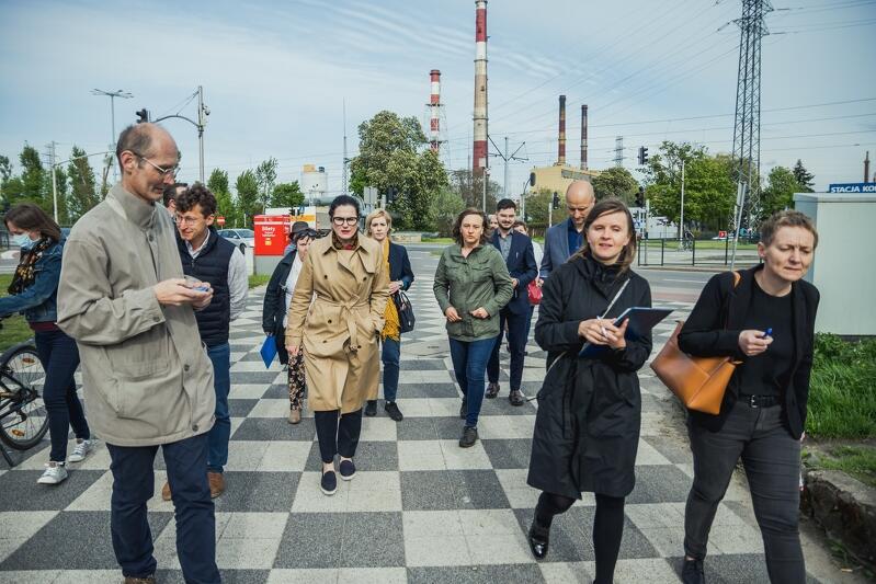 W środę prezydent Aleksandra Dulkiewicz, w towarzystwie radnych dzielnicy Młyniska, radnej miejskiej Emilii Lodzińskiej i dyrektorów jednostek miejskich, wizytowała Młyniska