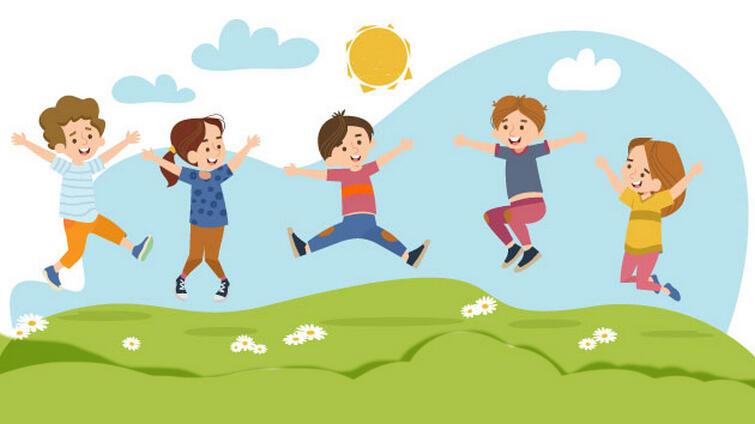 Kolorowy rysunek, na którym dzieci podskakują na zielonej trawie. Za nimi nad trawą - błękitne niebo i chmury oraz żółte słońce