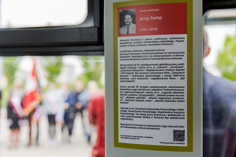 Biogram prof. Jerzego Sampa w tramwaju jego imienia
