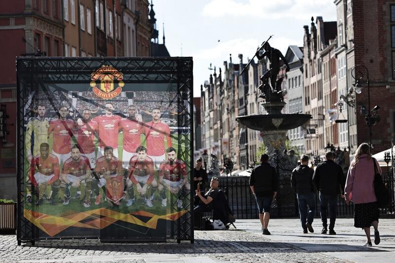 În Gdansk, au apărut în mai multe locuri poze cu jucătorii Manchester United ...