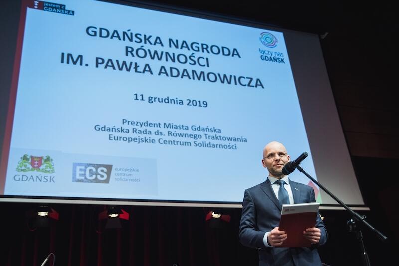 Nz. Alan Aleksandrowicz - zastępca prezydenta Gdańska podczas gali Gdańskiej Nagrody Równości im. Pawła Adamowicza, rok 2019