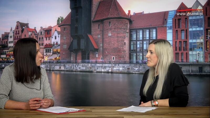 Nz. od lewej: Natalia Gawlik - dziennikarka portalu Gdańsk.pl, Patrycja Piątek - inspektor w Dziale Świadczeń Rodzinnych nr 1, Gdańskie Centrum Świadczeń