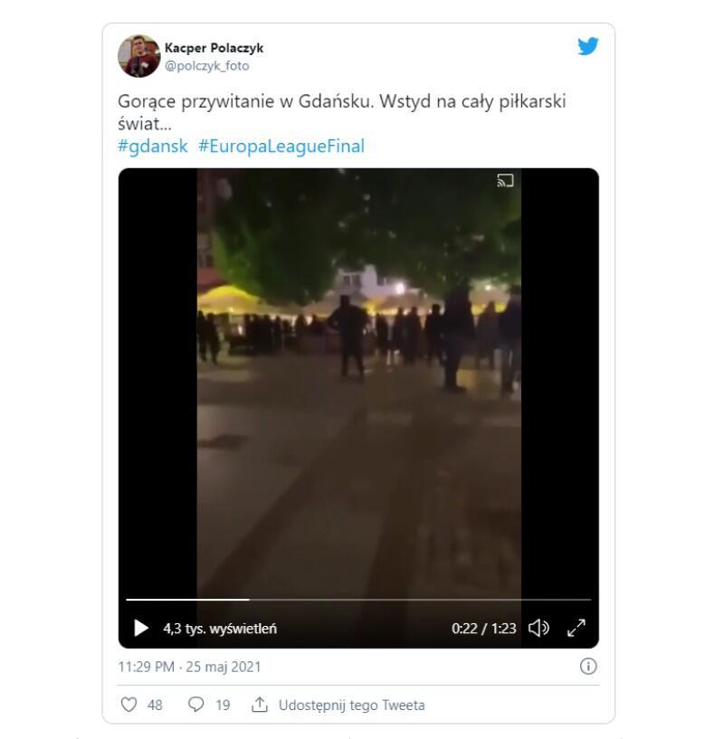 Zrzut z Twittera, na którym pojawił się filmik pokazujący napad na angielskich kibiców: