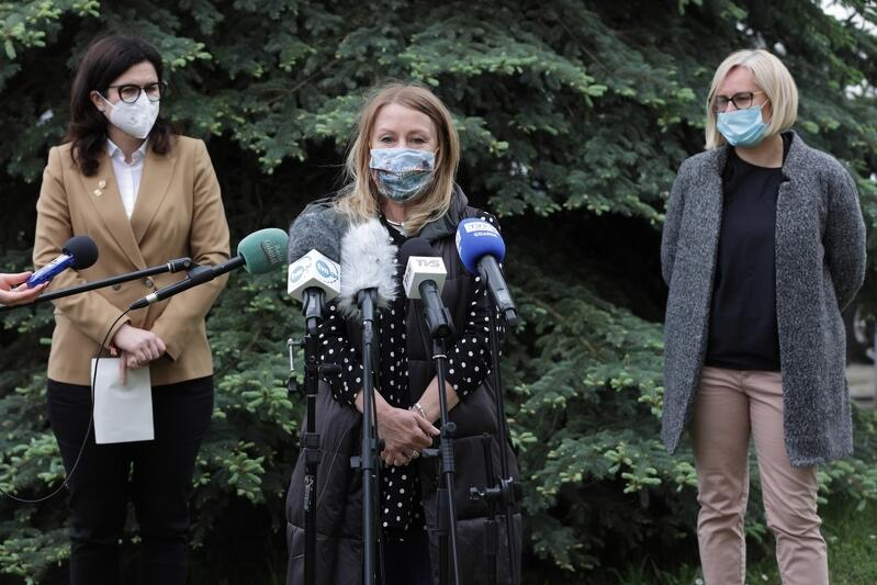 Beata Dunajewska ogłosiła przedstawienie interpelacji w sprawie podwyżek diet dla osób funkcyjnych w radach dzielnic
