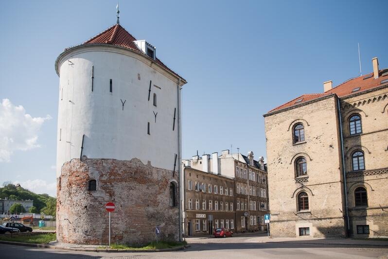 Jednym z obiektów, które otrzymały dotację jest Baszta Biała - Klub Wysokogórski Trójmiasto planuje przeprowadzić tam konserwację tynków i polichromii