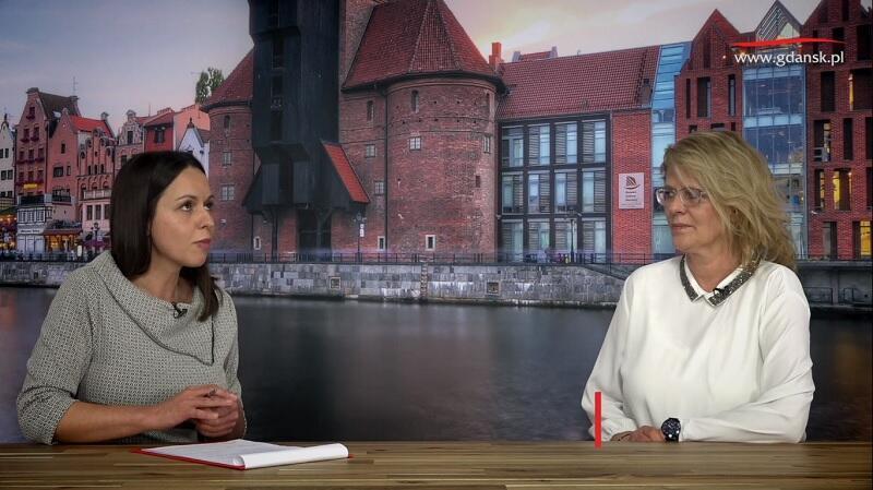 Nz. Natalia Gawlik - dziennikarka portalu Gdańsk.pl i Małgorzata Suwik - kierownik Działu Świadczeń Alimentacyjnych - Gdańskie Centrum Świadczeń