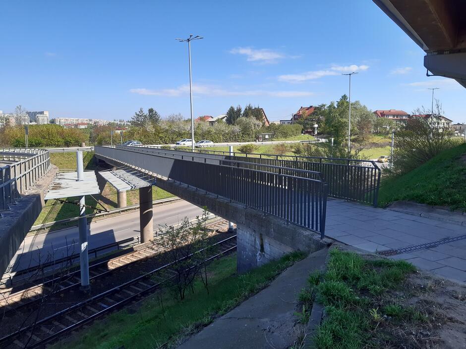 Rozpoczął się remont wiaduktu i kładki dla pieszych w ciągu al. Sikorskiego, na węźle z al. Armii Krajowej