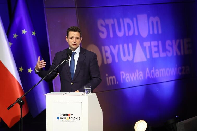 Rafał Trzaskowski, prezydent Warszawy: -To, co nam przyświeca, to współpraca, tworzenie wspólnoty i sieci powiązań. To są wszystko zamysły, które były bliskie Pawłowi Adamowiczowi. I stąd też pomysł powołania Studium Obywatelskiego