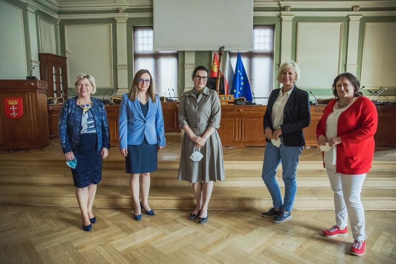 Od prawej: Marianne Schieder - posłanka Bundestagu, Dagmar Ziegler - wiceprzewodnicząca Bundestagu, Aleksandra Dulkiewicz - prezydent Gdańska, Corelia Pieper Konsul Generalna Niemiec w Gdańsku