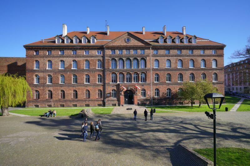 Budynek, w którym mieści się Muzeum Poczty Polskiej w Gdańsku