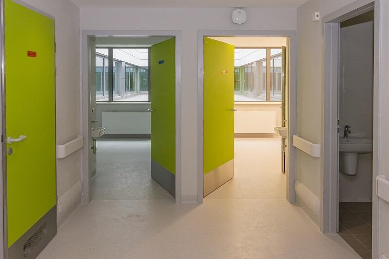 Korytarz szpitalny w Centrum Medycyny Nieinwazyjnej UCK w Gdańsku