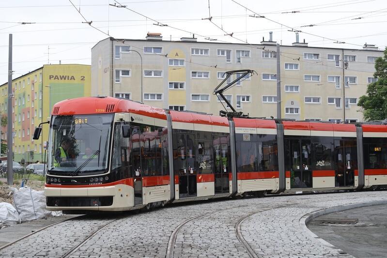Od dzisiaj, 6 czerwca 2021, w autobusach i tramwajach, może podróżować 75 procent pasażerów. Co czwarte miejsce musi być wolne