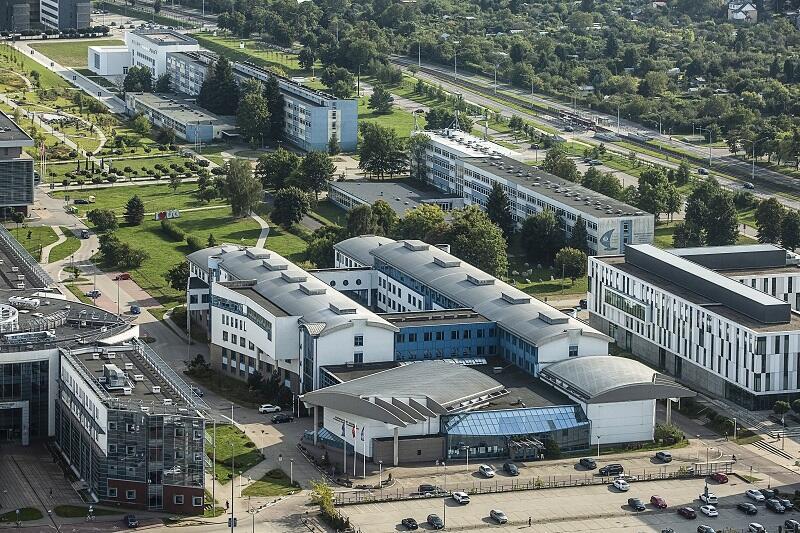 Kampus Oliwski Uniwersytetu Gdańskiego, widok z budynku Olivia Star