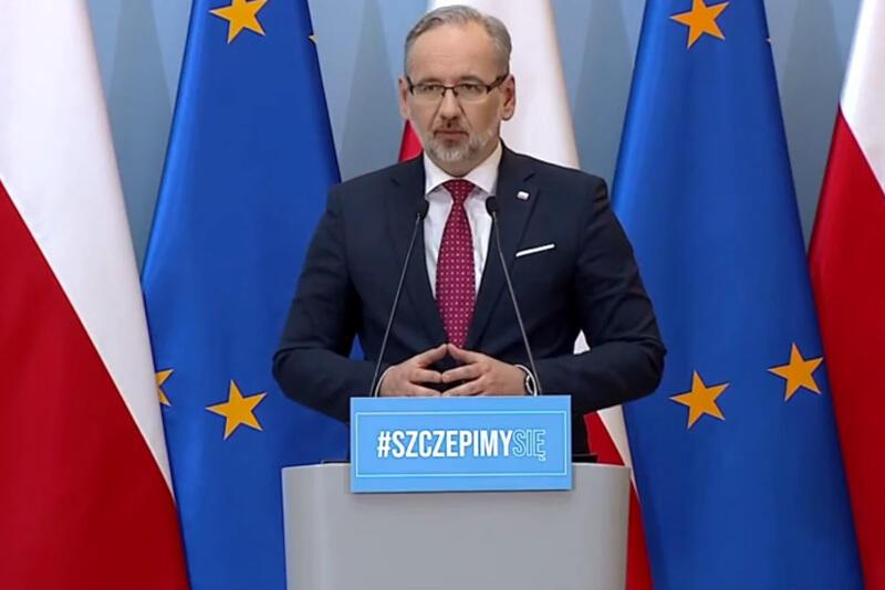 Minister zdrowia Adam Niedzielski w czwartek, 10 czerwca, ogłosił poluzowanie obostrzeń w związku ze zbliżającymi się wakacjami